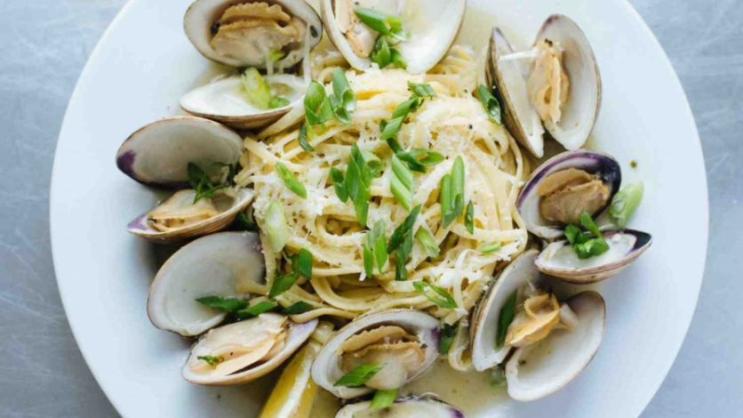 Catch 27 Clams and linguine