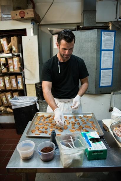 preparing duck chicharrones