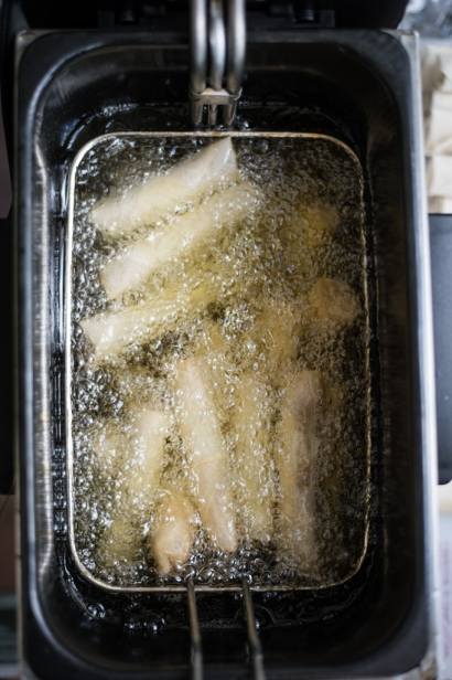 filipino lumpia in the fryer