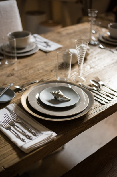 A traditional table setting at pearl home in jacksonville beach florida