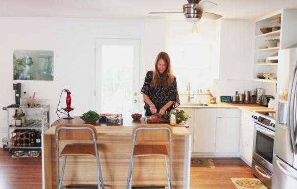 Mariah Salvat making baby food