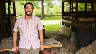 Native Sun Natural Foods Market owner Aaron Gottlieb before the Jax Beach store opens in Florida