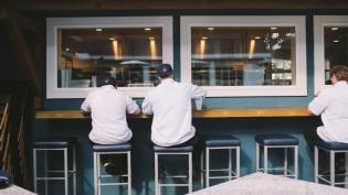 outdoor deck at Burlingame restaurant